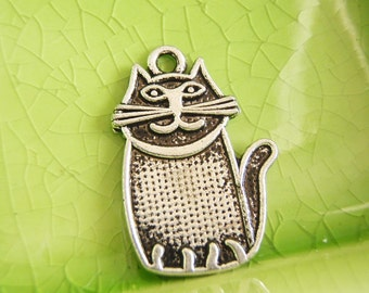 10 silver cat charms pendants Alice in Wonderland Cheshire kitty kitteh kitten smile grin 28mm x 19mm - C0815-10