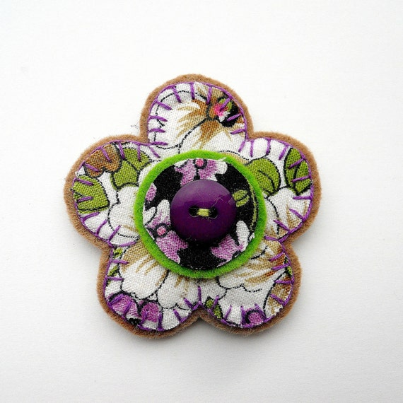 Vintage Fabric flower Brooch  1970s Purple Daisy