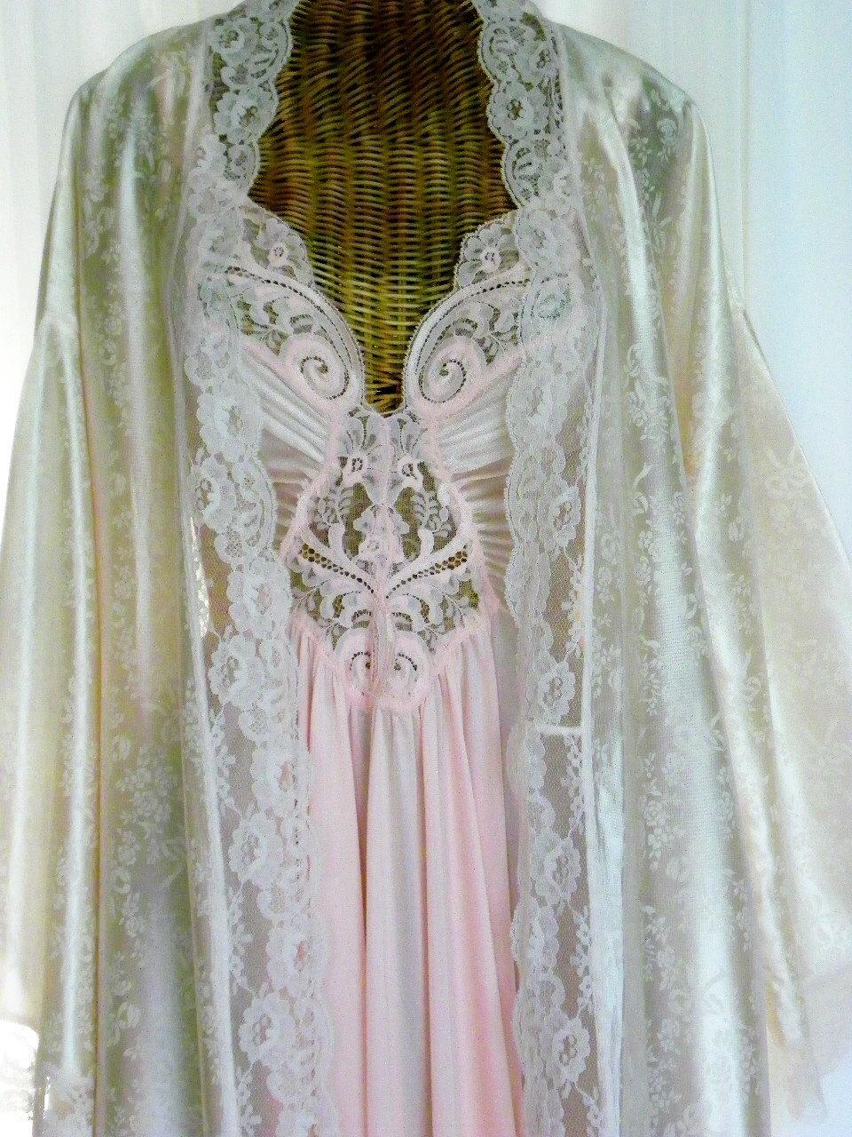 Vintage Olga Pink Peignoir Set Made For By Voilavintagelingerie