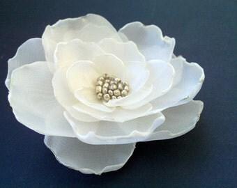 Ivory/Champagne Silk Flower Clip,Wedding Flower,Bridal hair piece,Vintage ivory flower