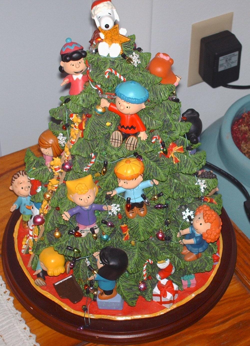 Vintage retired Danbury mint peanuts sculpture christmas tree