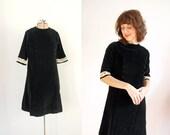 s a l e 1960s Dress / 60s Black Velvet / Cream Lace