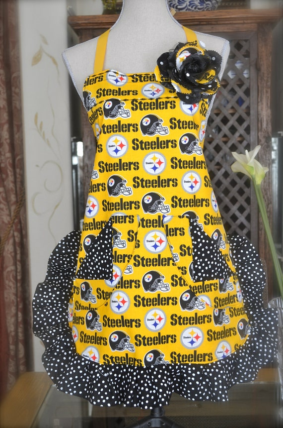 Pittsburgh Steelers Womens Apron With Contrasting Black and White Polka Ruffle