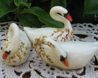 Miniature Swans, set of 3
