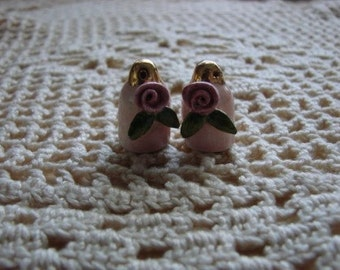 Vintag Tiny Pink Rose Salt and Pepper Shakers