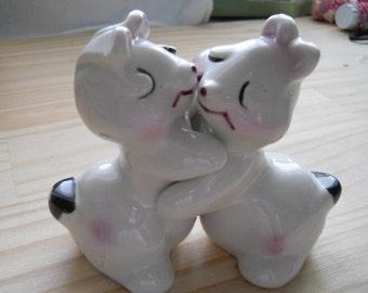 Vintage Bunny Hug Sal tand Pepper Shakers
