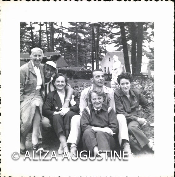 Vintage Photo, Men and Women in Park, Black & White Photo, Snapshot, Found Photo, Old Photo, Vernacular Photo, 1940's Photo    0218