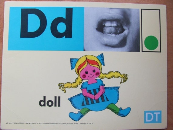Large Phonics Flash Card Circa 1972 - D DOLL