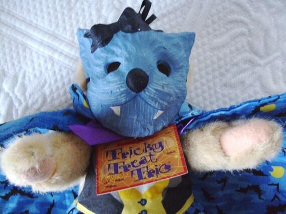 Muffy Bear VanderBear Doll Blue Vampire Wolf Monster Mask Black Bats Costume