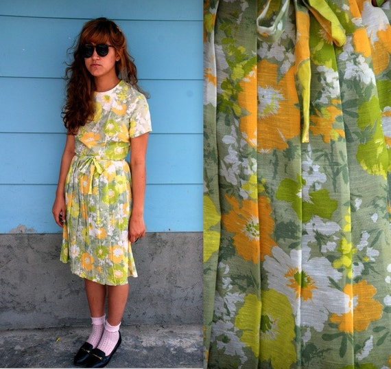 1960s. yellow floral pleated dress. s