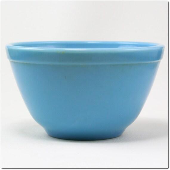 Vintage Pyrex Delphite Blue 5.75-inch Bowl