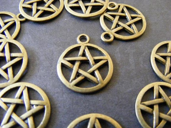 20 Bronze Pentagram Charms