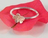 Floral Stacking Ring in Sterling Silver, Cute Flower Stackable Silver Ring, Stacked Ring Gift for Teens, Tiny Flower Ring Spring Jewelry