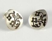 Tiny Flowers Stud Earrings , Sterling Silver Post Earrings , Floral Jewelry , Miniature Flowers Silver Earrings , Small Tear Drop Earrings