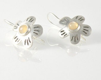 Peach Moonstone Earrings, Sterling Silver Earrings Gift For Women, Gemstone Earrings, Silver Flower Earrings, Nature Jewelry Gift For Her