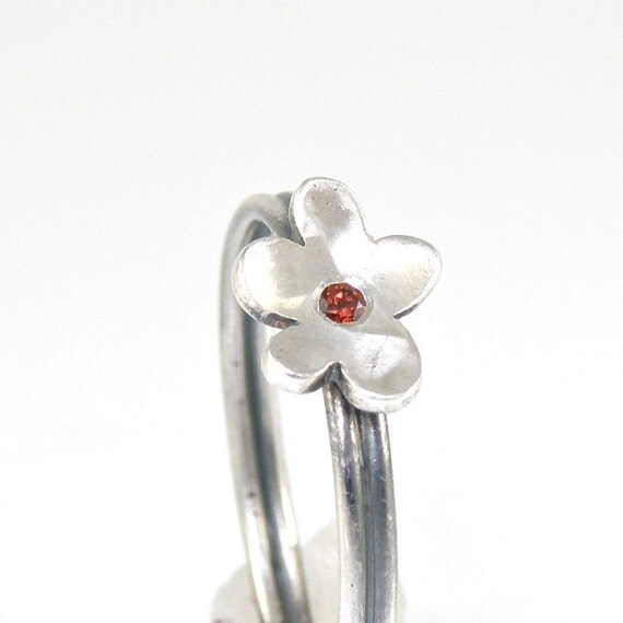 Tiny Flower Stacking Ring , Sterling Silver Ring , Dainty Ring , Garnet Ring , Silver Flower Ring , Cute Flower Stackable Ring, Stacked Ring