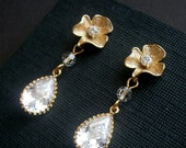 Crystal Gold Earrings With Gold Flower And Cubic Zirconia In Gold Settings