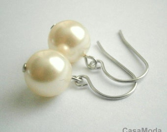 Pearl Earrings Bridesmaids Gifts Shabby Chic Weddings Swarovski Crystal Cream Pearl Earrings In Silver