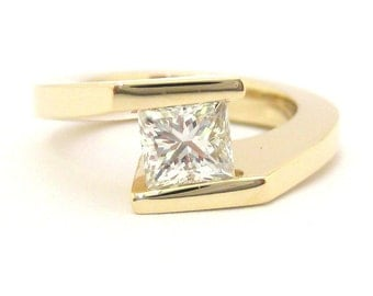 Princess cut diamond engagement ring tension set 0.96ctw