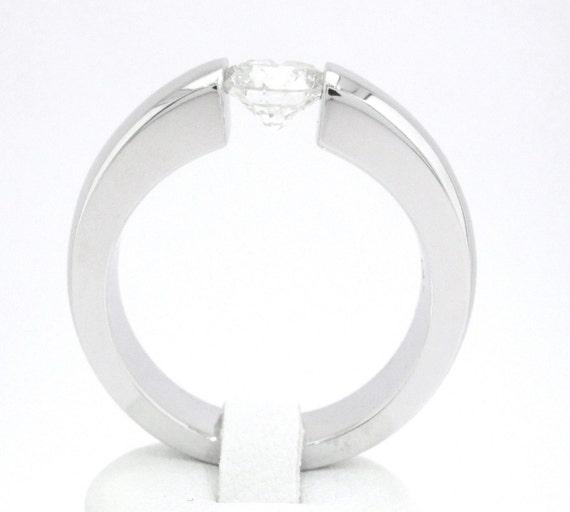 Round cut diamond engagement ring tension set 1.00ctw