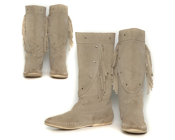 Grey Suede 80s Vintage Minnetonka Moccasin Boots / Fringe Studs Mid Calf Length / Native American Hippie Boho / Size 6