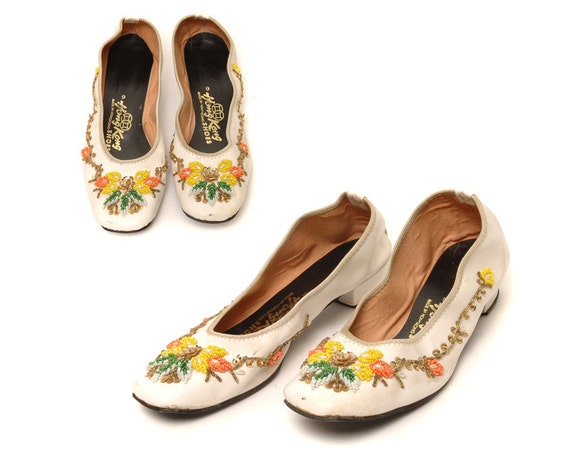 Vintage 60s White Ballet Flats / Hong Kong Asian Floral Beaded Slippers / Size 8