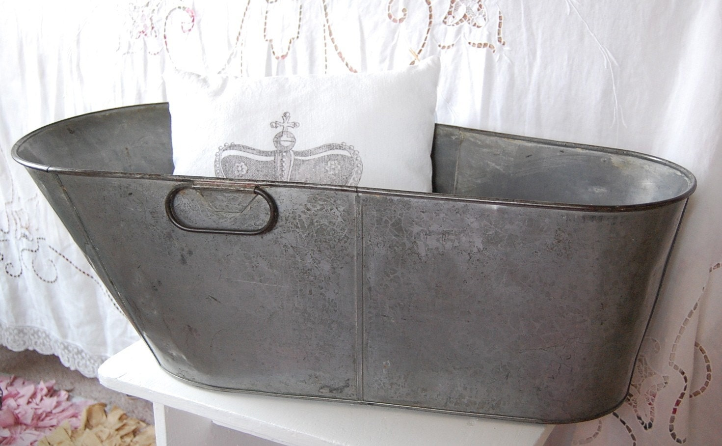 vintage metal baby bathtub by saltboxtreasures on etsy. Black Bedroom Furniture Sets. Home Design Ideas