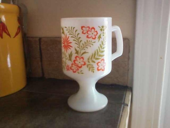 70s Coffee Mug with pedastal
