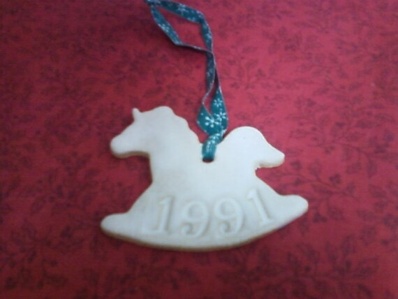 1991 pottery glazed horse holiday ornament