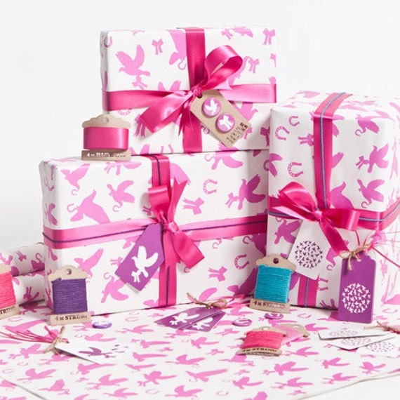 Love Birds Fuschia Gift Wrap