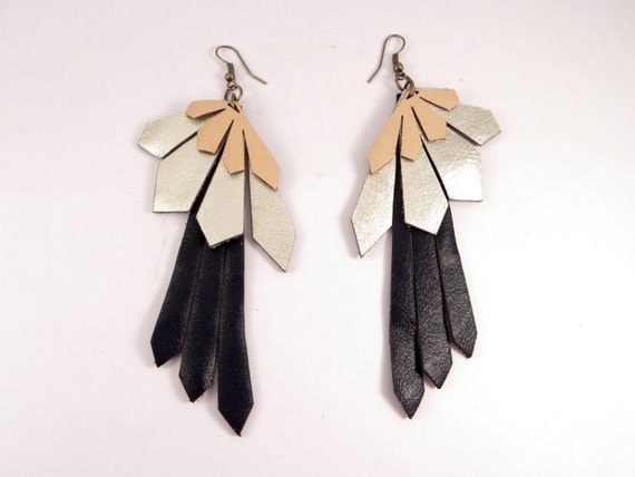 Torcaza leather earrings by Laurel - ivory - gold - navy blue