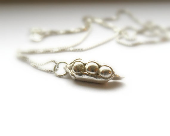 three peas in a pod necklace sentimental 3 peas in a pod