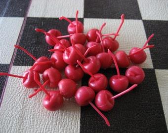 20 Mini Red Plastic Game Cherries