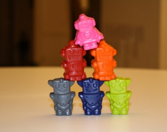 6 robot crayons - in cello bag tied with ribbon