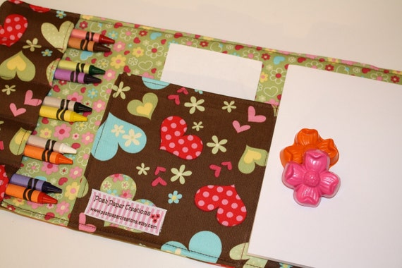 Hearts and flower crayon wallet with notepad and 10 crayons - tri-fold - 2 FREE flower crayons