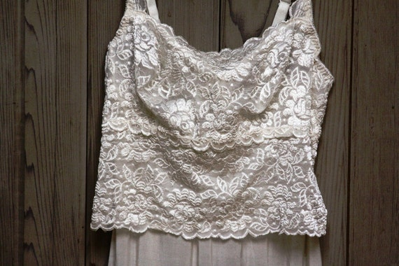 1970s Ivory Full Slip with Tiered Floral Lace 36 S - M