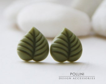 Tiny Leaf Post Earrings. Olive. Nature. Botanic (VER-09)