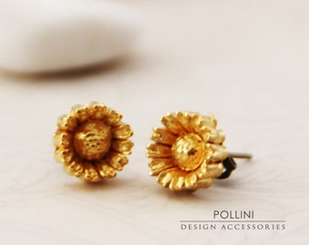 Vintage Daisy Post Earrings. Gold Metallic (VER-42)