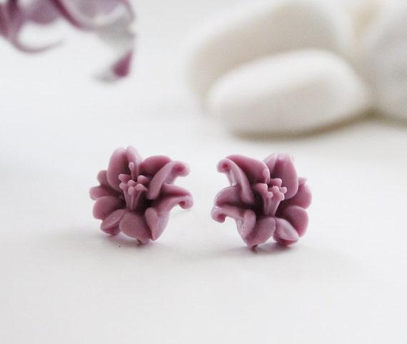 Orchid Post Earrings. Violet (VER-53)