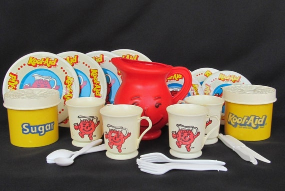 1983 Kool Aid Childrens Play Set Pitcher Cups and Tin Plates