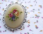 Vintage floral german cameo - cream
