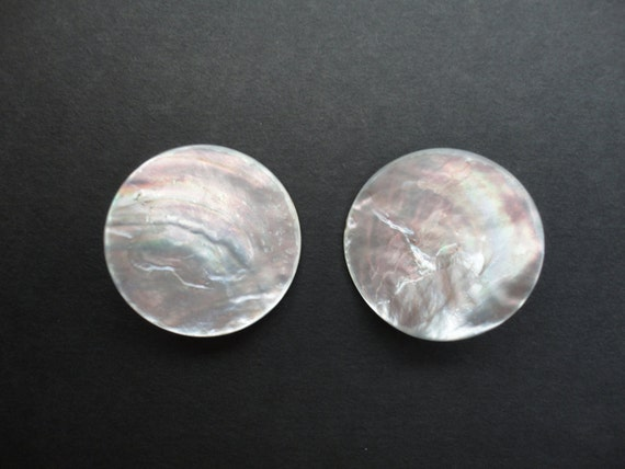 Vintage Set of 2 Mother of Pearl Buttons