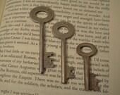 3 Steampunk Vintage Skeleton Keys - Antique Supplies for Jewelry, Altered Art, Assemlage