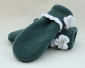 Felted Wool Mittens Upcycled Lambs Wool Fleece Lined Green White Medium