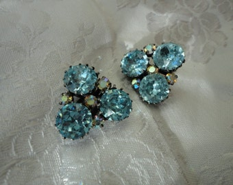 Vintage Sparkly Blue Glass Rhinestone Clip on Earrings
