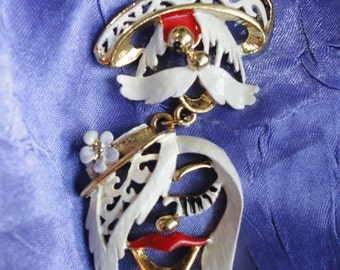 Very Wonderful and Unique Necklace Signed BJ with a Man and Woman in Hats Enameled Metal in White and Red and Gold