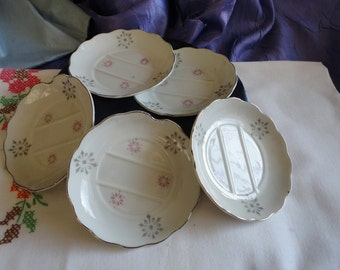 Small Ashtrays From Japan Round White with Flowers Vintage Set of 5