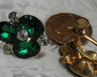 Emerald Green Faceted Glass Flower Screw Back Vintage Earrings
