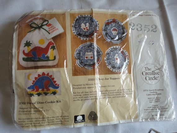 The Creative Circle Vintage Craft Kit Darlin Dino Cookie Kit Unopened