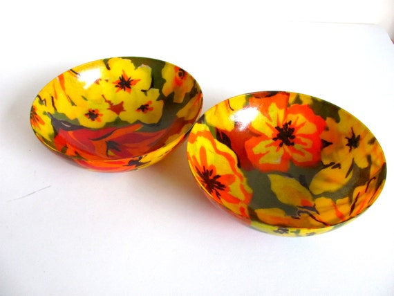 FIVE DOLLARS Vintage 1970s Pair of Fiberglass Floral Bowls
